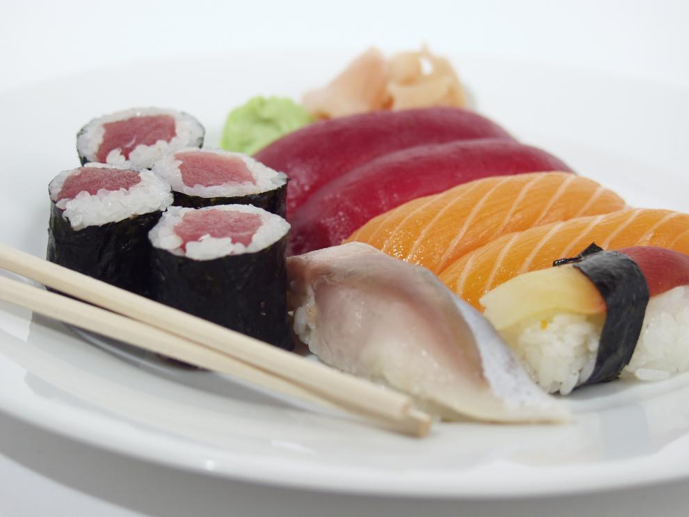 Hoy, en los restaurantes japoneses mandan los sushi, los sashimi, la tempura y las sopas