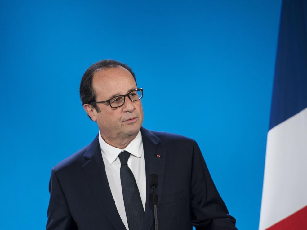Hollande durante la conferencia por la Paz celebrada este lunes