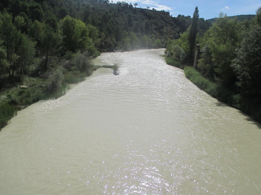 Río Gállego a su paso por Santa Eulalia de Gállego