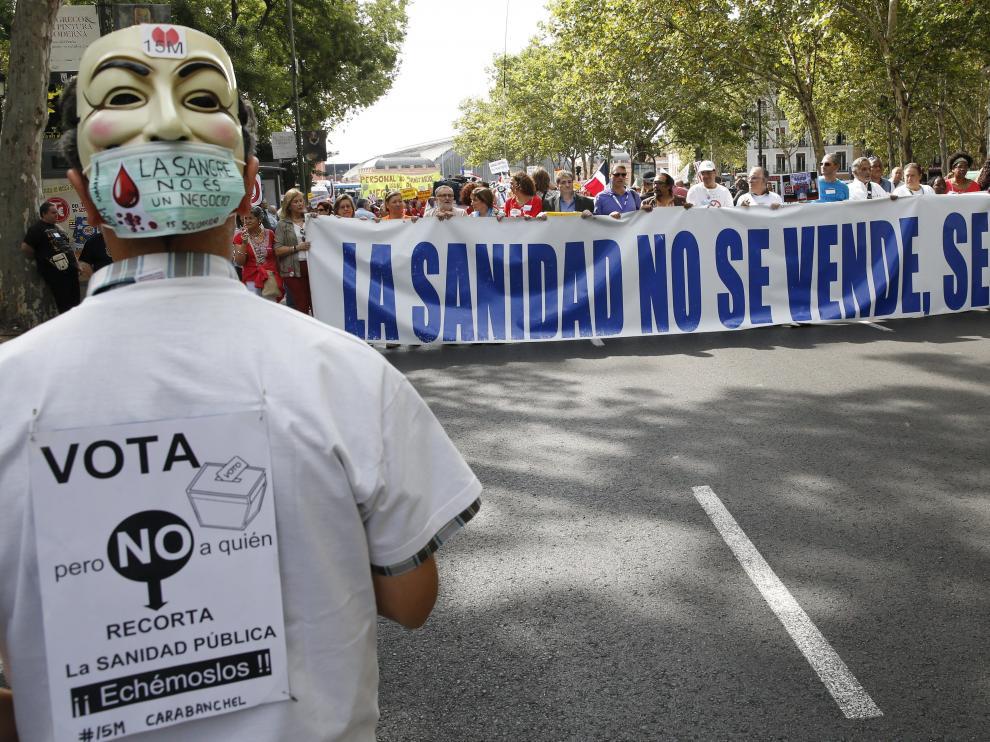 Manifestación para pedir la financiación del medicamento contra la Hepatitis C
