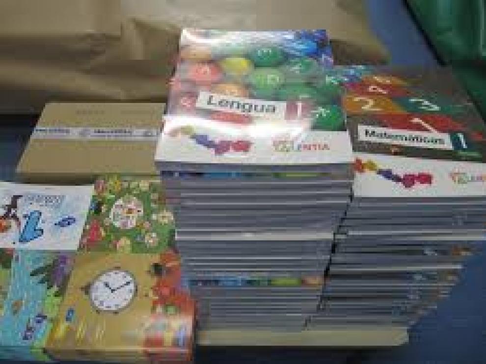 Los libros de texto suponen el mayor gasto para las familias en la vuelta al cole.