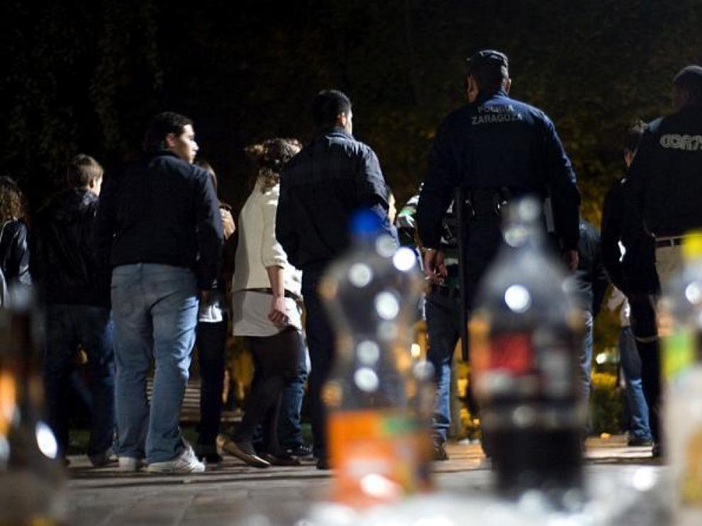 El consumo intensivo de alcohol suele empezar entorno a los 13 años, aumentando en la adolescencia.