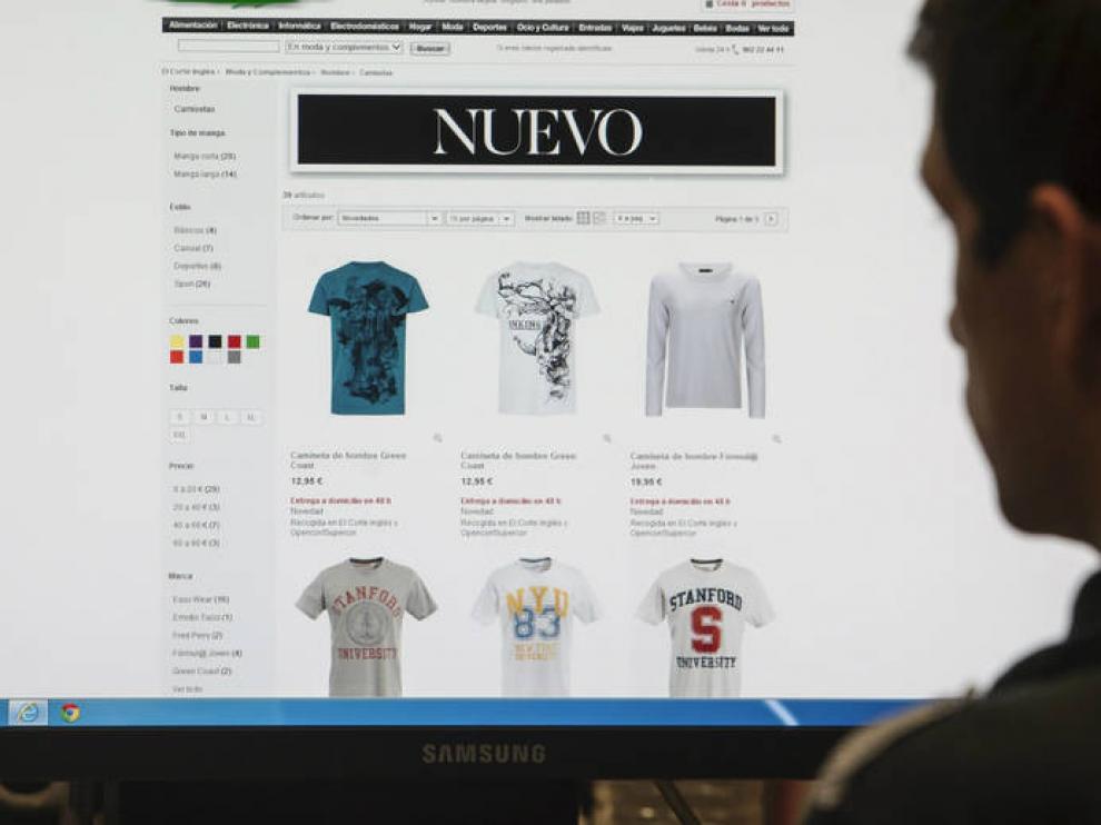 La moda es el tercer producto que más se compra por Internet en España