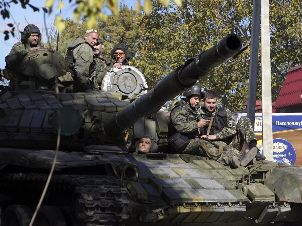 Separatistas prorrusos toman posiciones cerca del aeropuerto de Donetsk
