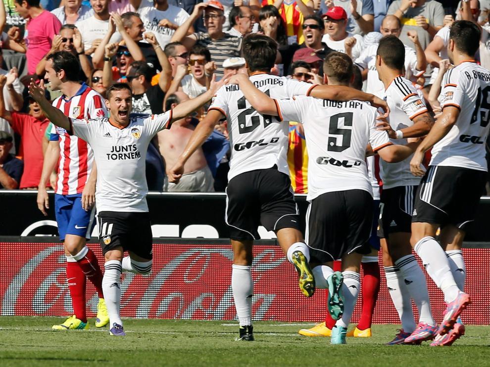El Valencia celebra el primer gol