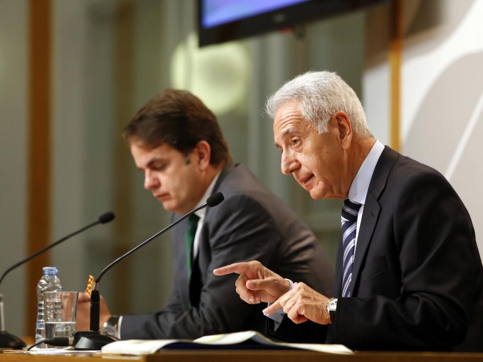Lobón y Bermúdez de Castro en la rueda de prensa del Consejo de Gobierno