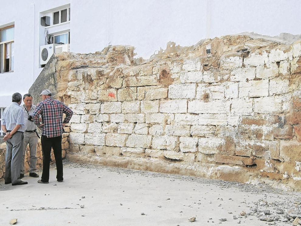 Parte de los restos que se conservan de la antigua muralla.