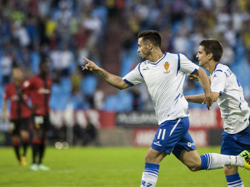Jaime Romero celebra el gol que allanó la tercera victoria
