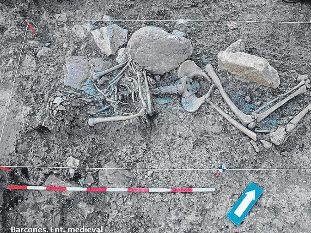 Imagen de los restos de un represeliado hallado en Barcones