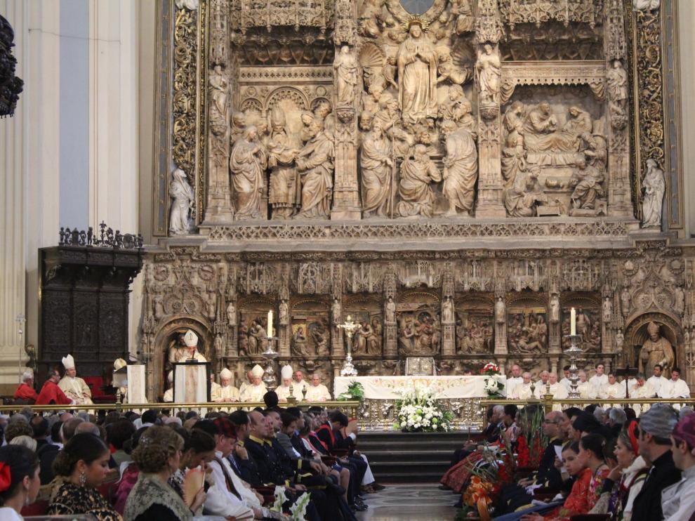 Misa pontificial presidida por el cardenal Santos Abril