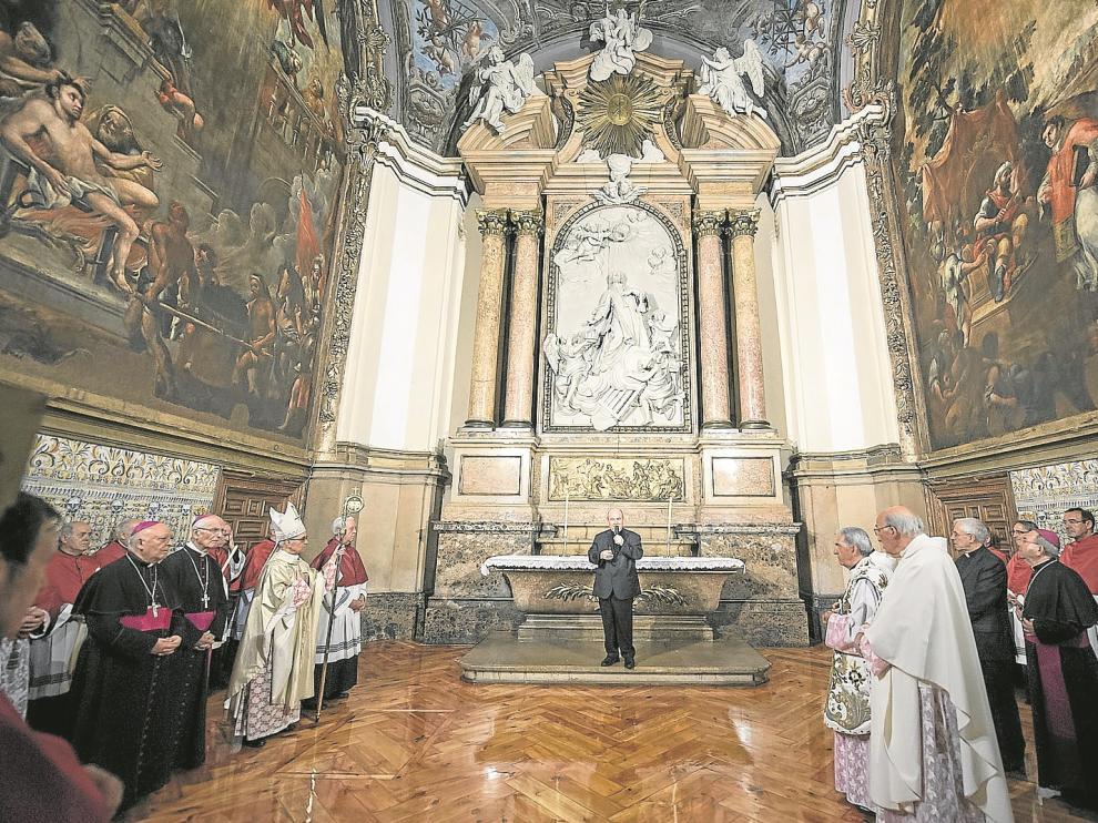 Vista general de la cúpula y de los dos lienzos.