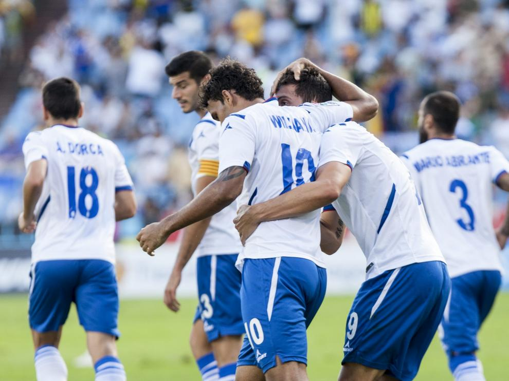Willian José felicita a Borja por su gol contra el Alavés