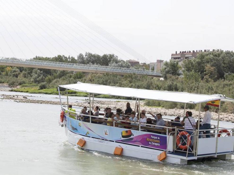 El barco, a la altura de la Almozara