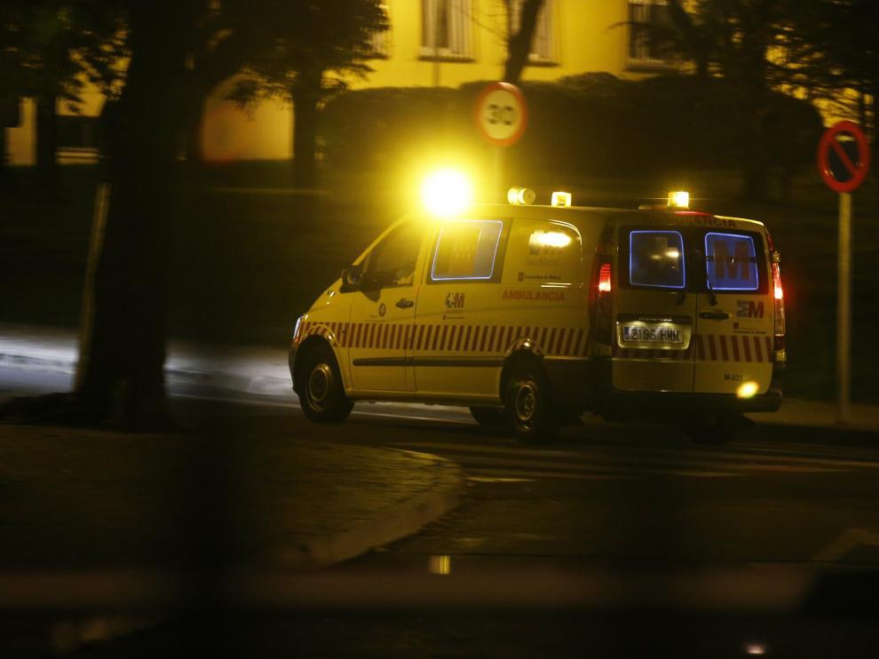 Un traslado en ambulancia especializada para casos de ébola al hospital Carlos III de Madrid.