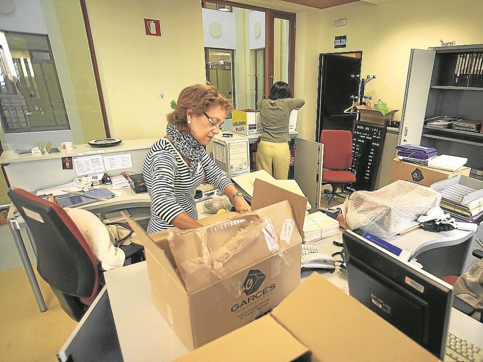 Los trabajadores de la delegación provincial desempaquetaron ayer las cajas de la mudanza.