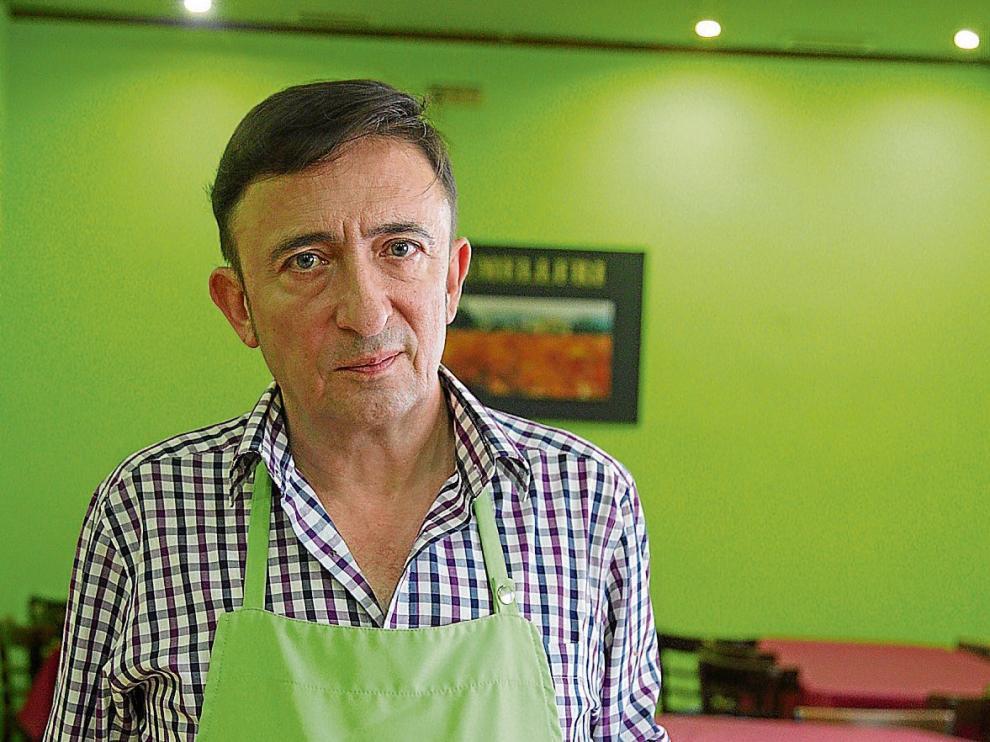 Ignacio Galiay, propietario del Antiguo Bar La Jota, de Zaragoza