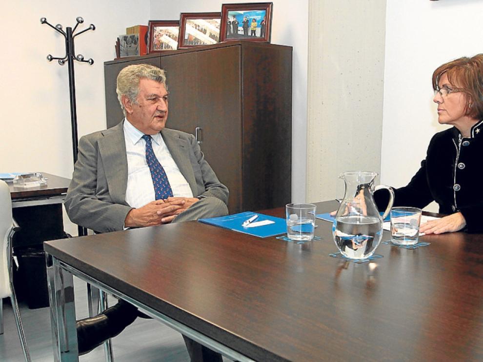 El presidente del Congreso, Jesús Posada, y la presidenta del PP soriano, María del Mar Angulo, este viernes.