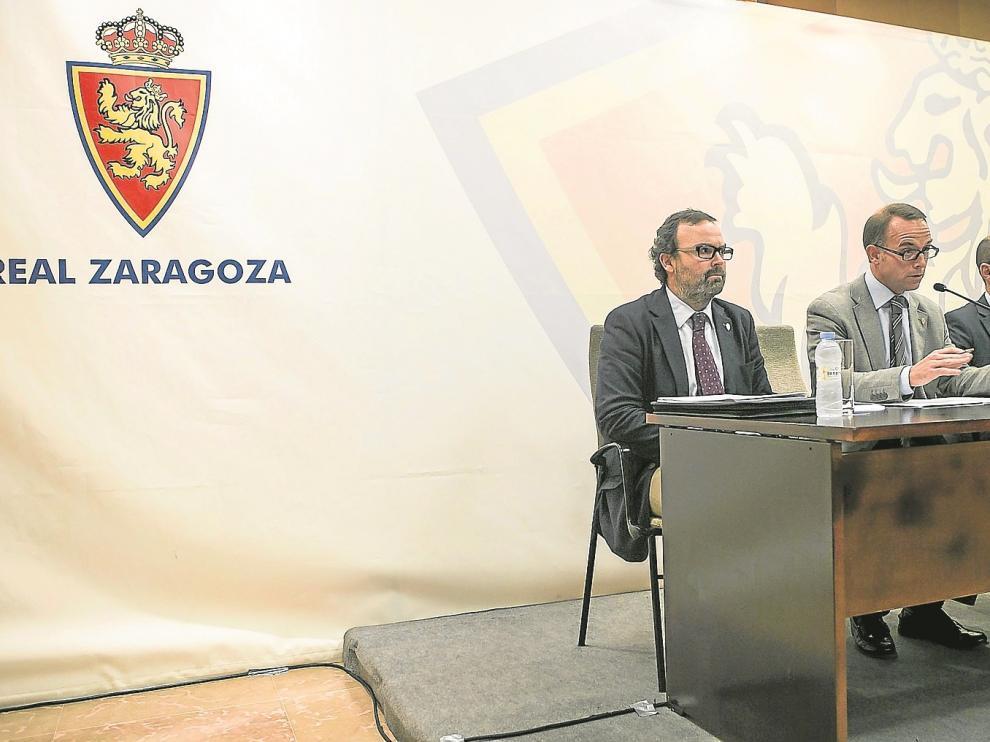 El vicepresidente Sainz de Varanda, el presidente Lapetra y el consejero Rodrigo, en una comparecencia de la pasada semana.