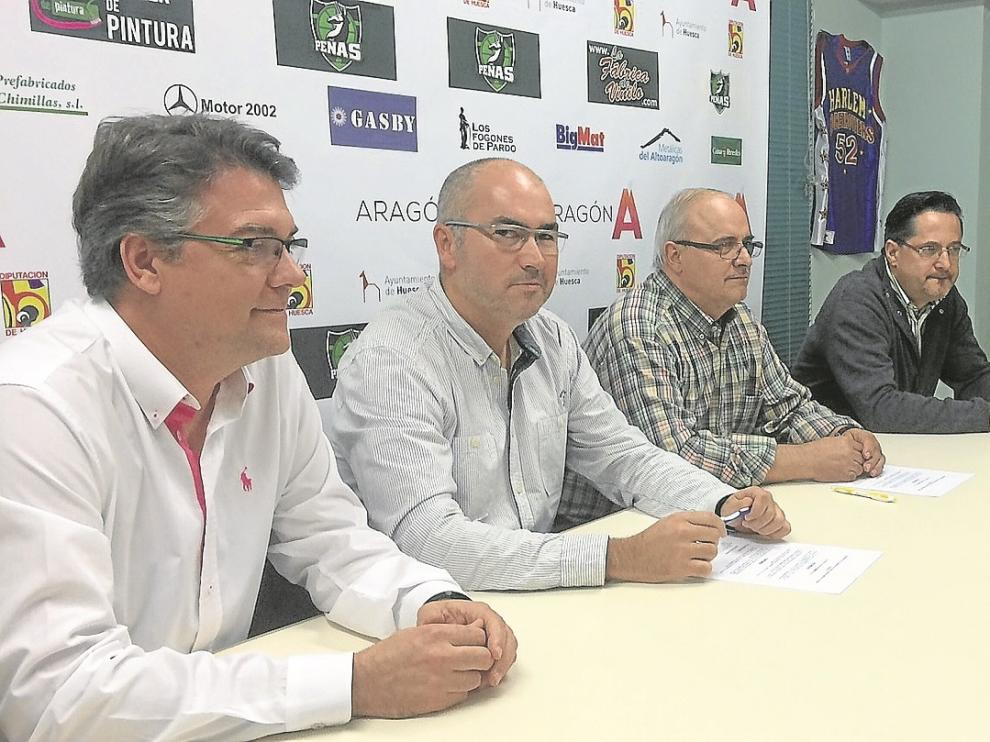 Freire, Rincón, Paradís y Gil, durante el acto de firma del convenio.