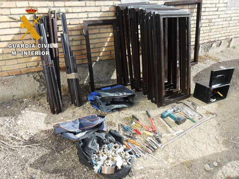 Detenido por robo de material interior de viviendas deshabitadas en La Joyosa