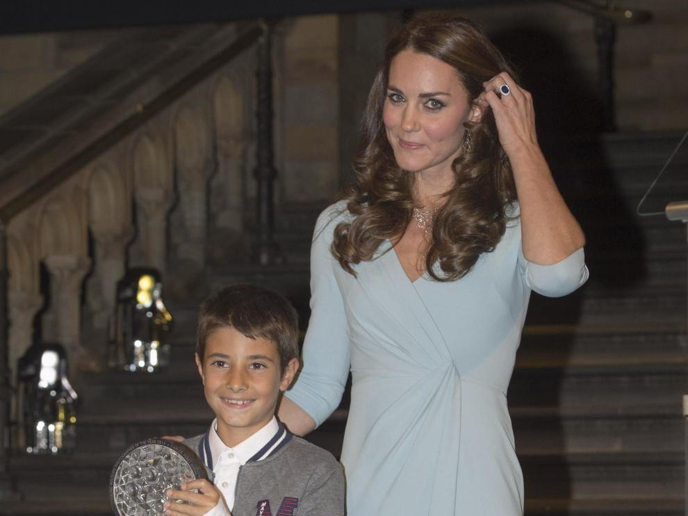 Kate Middleton entrega el premio de fotografía a un turolense de 9 años