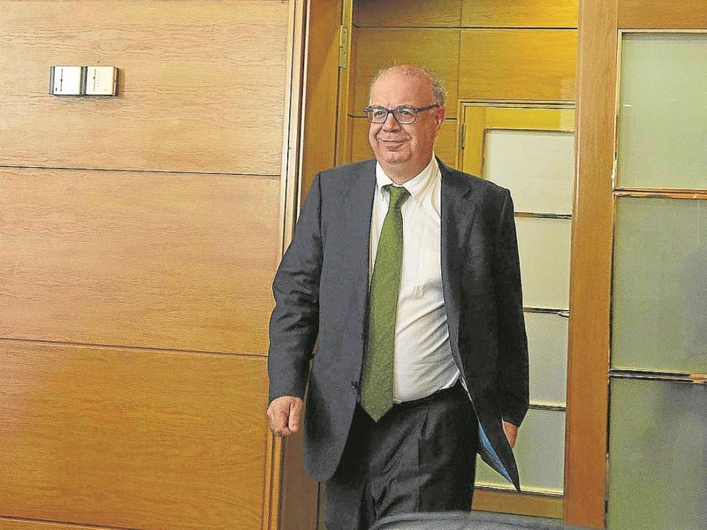 El gerente de Plaza, Jesús Andreu, a su llegada a la comisión de investigación de las Cortes.