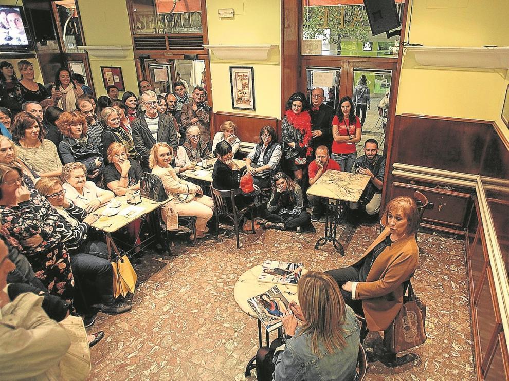 Una de las obras de teatro se representó en la cafetería Oscense.