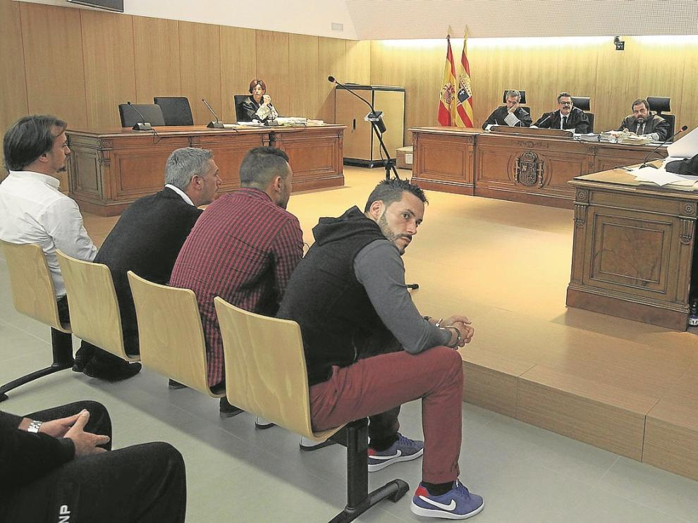 Los cuatro acusados mostraron en el juicio la supuesta mala relación personal que mantienen hoy en día.
