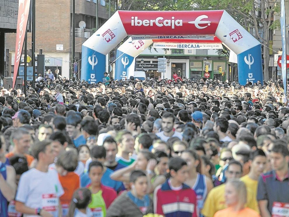 Salida de la pasada edición de la carrera, en la calle San Ignacio de Loyola.