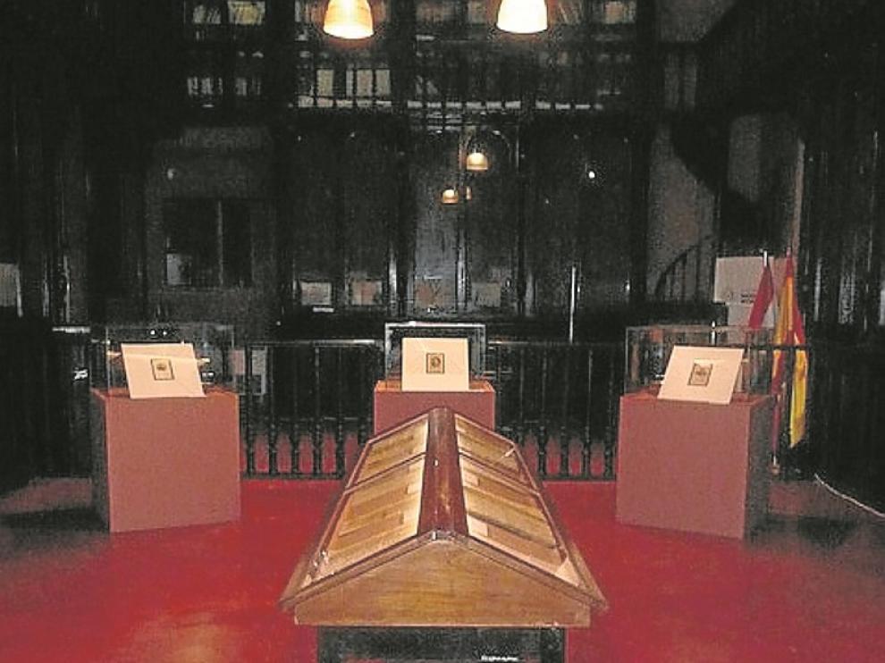 Sala de la exposición en el Archivo Nacional de Asunción.
