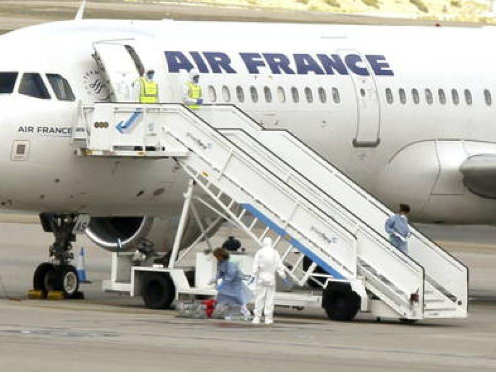 La semana pasada se aisló un avión en Barajas ante la sospecha de ébola