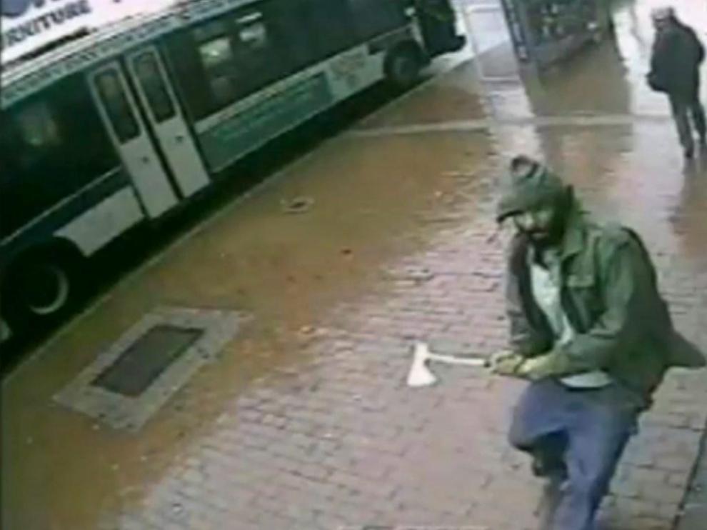 Imagen del agresor recogida por una cámara de seguridad