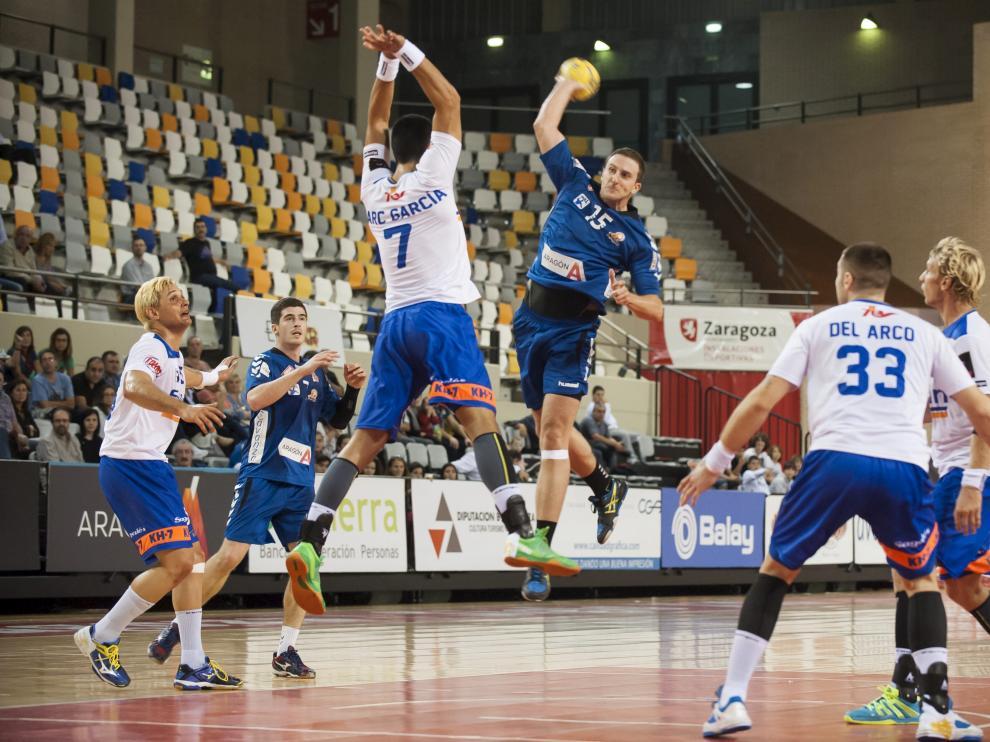 Una imagen del partido entre el BM Aragón y el Granollers