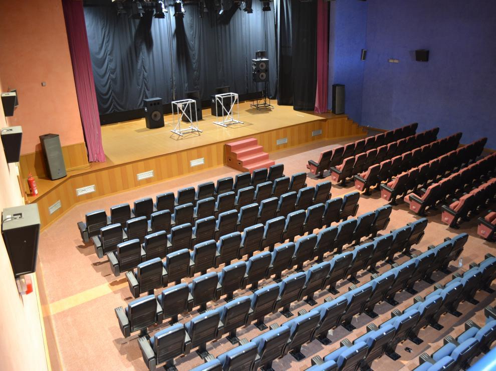 La Sala Goya, en Mequinenza, uno de los pequeños cines que resisten
