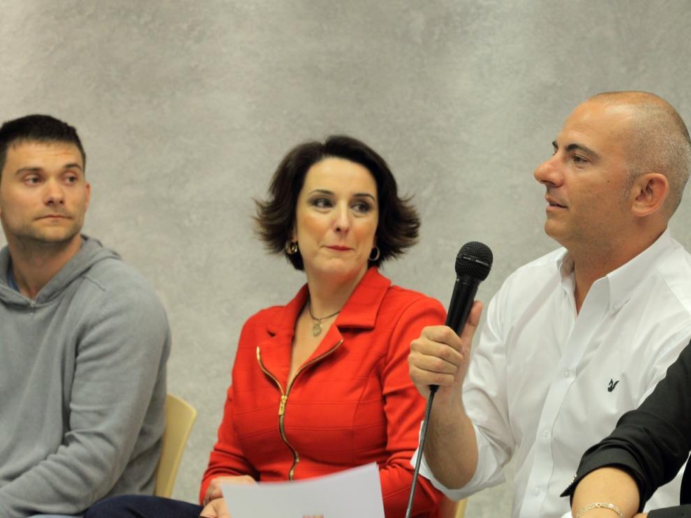 Alijarde, a la izquierda, y Franco, con Anabel Lasheras.