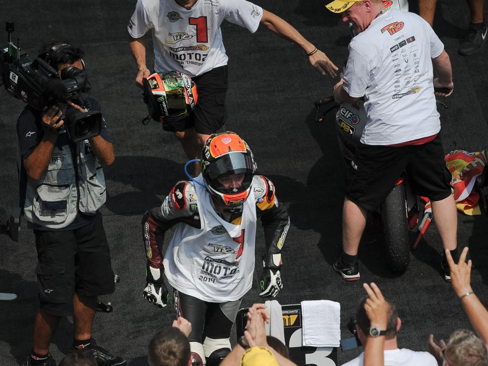 El equipo de Rabat celebra con él el título de campeón del mundo