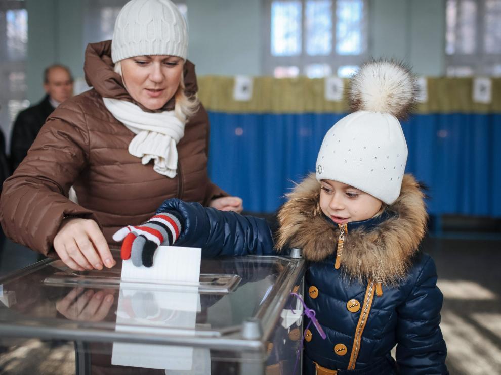 Los separatistas prorrusos refuerzan su poder con el reconocimiento electoral ruso
