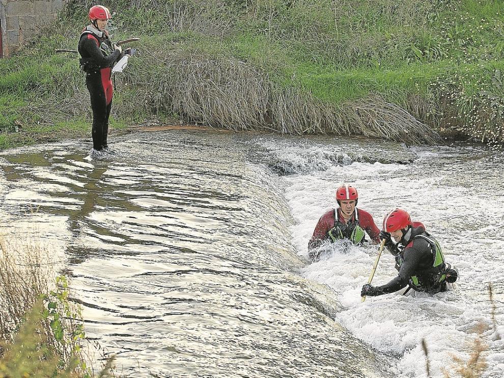 La búsqueda de los especialistas se centró ayer en el cauce del río Jiloca.