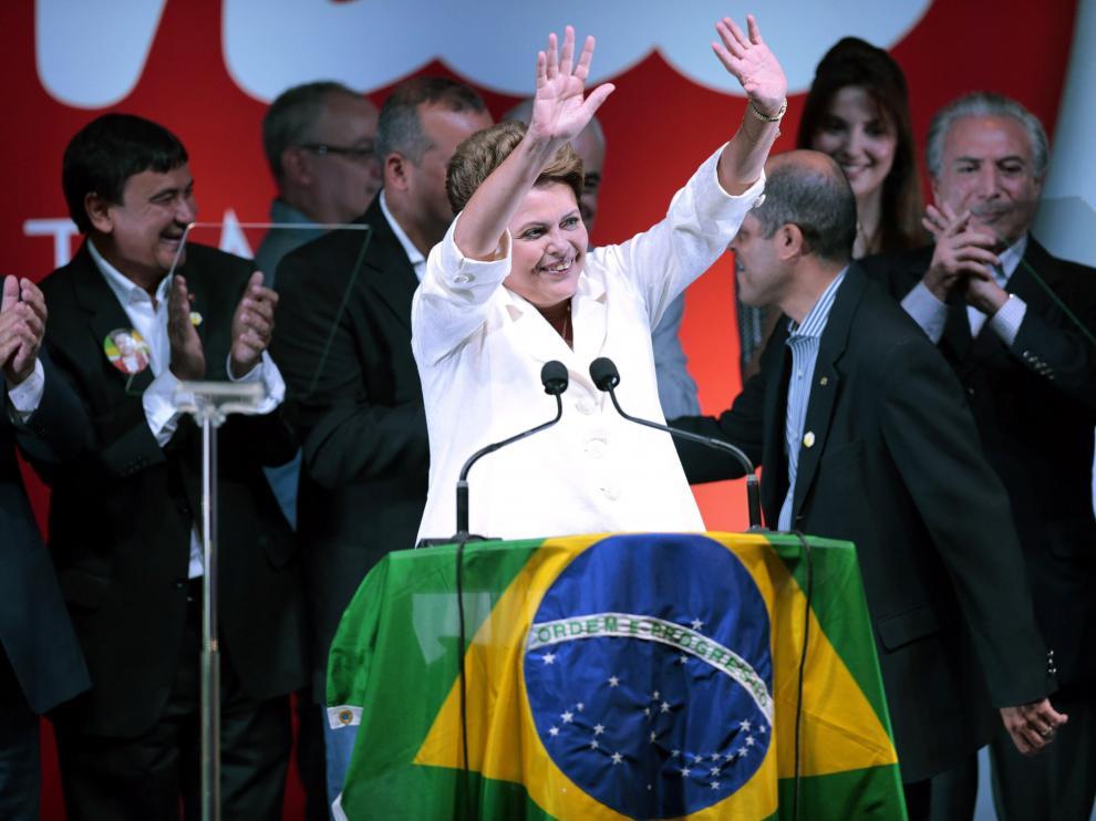 Rousseff celebra su victoria en las presidenciales de Brasil