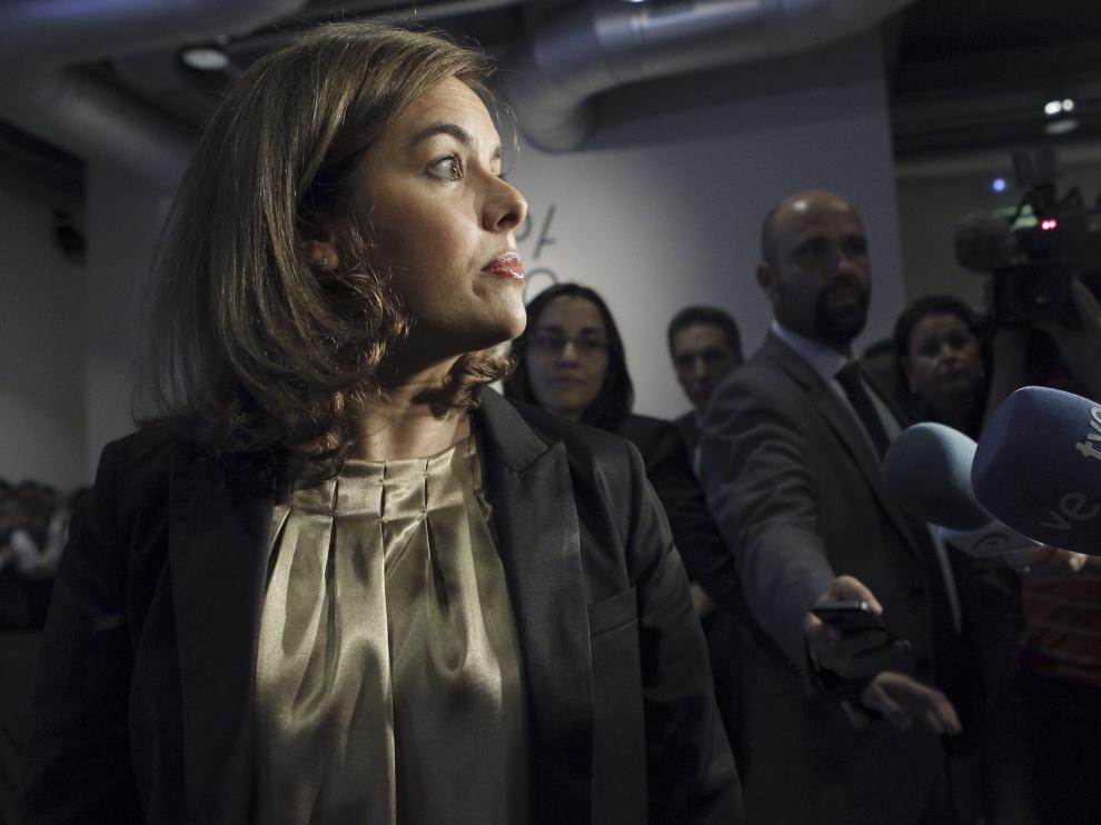 """Sáenz de Santamaría defiende actuar """"con todo el rigor de la ley"""" ante la corrupción"""