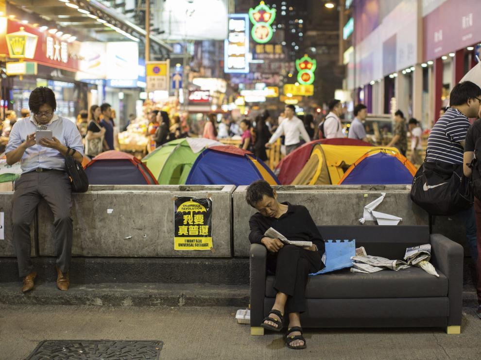 Manifestantes pro democracia se reúnen en Nathan Road