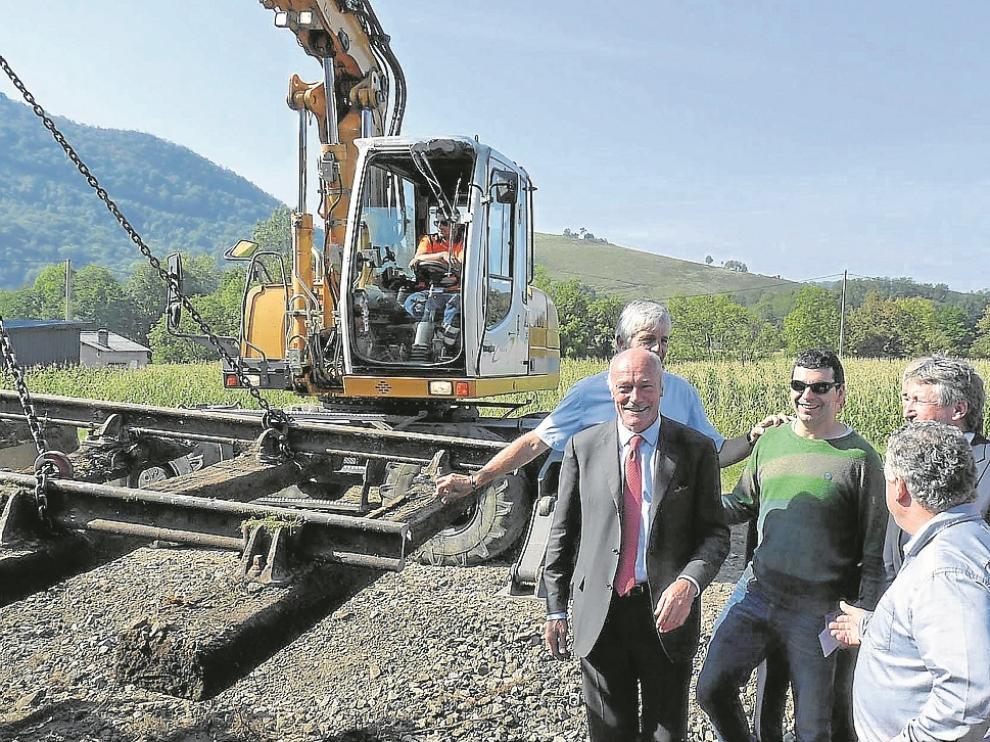 Inauguración de las obras del tramo Olorón-Bedous por el presidente de Aquitania hace un mes.