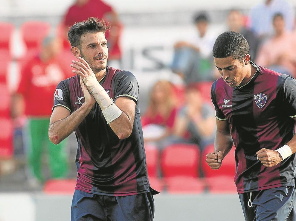 Aythami -derecha- celebra el gol de Tyronne contra el Toledo de hace dos jornadas.