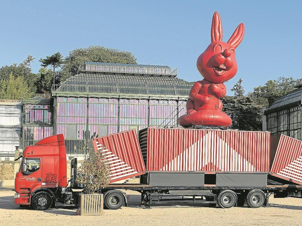 Al camión, que se transforma mecánicamente en museo, únicamente pueden acceder los niños.