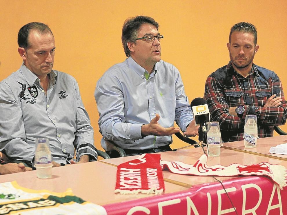 Nolasco, Freire y Tevenet, ayer, durante el coloquio organizado por 'La generación del 57 cumple 57'.