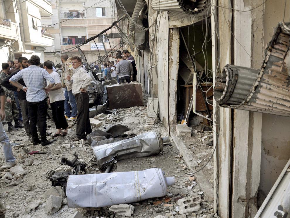 Al menos 12 muertos por bombardeos en el centro y el norte de Siria