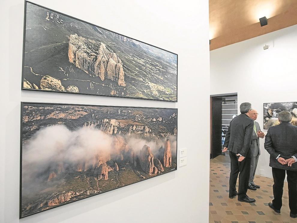 Dos de las fotografías que forman parte de la exposición 'La piel de Aragón'.