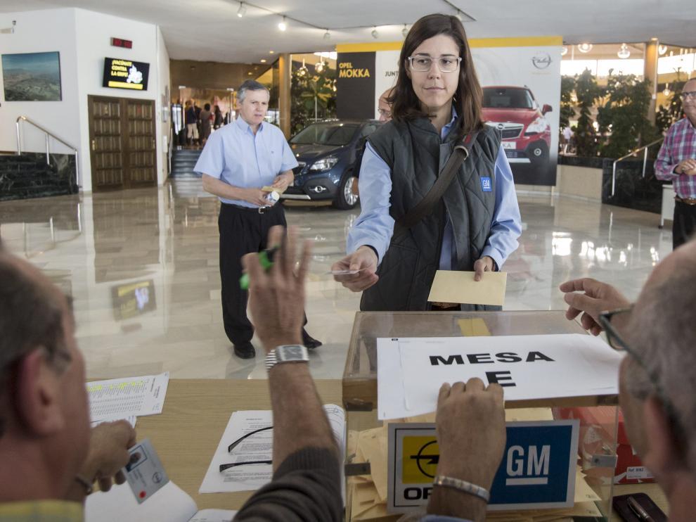 La planta zaragozana de General Motors votó ayer, a lo largo de los tres turnos, a sus 33 representantes sindicales