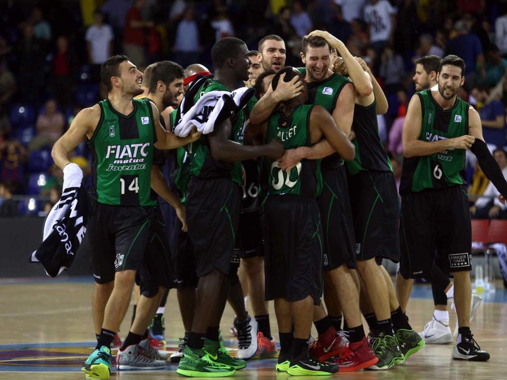 Los jugadores del Joventut celebran el triunfo