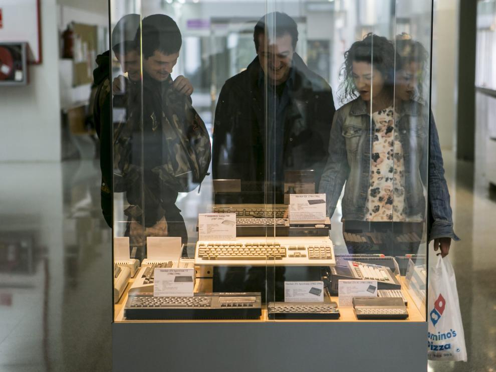 Exposición de ordenadores Spectrum antiguos en Retromañía